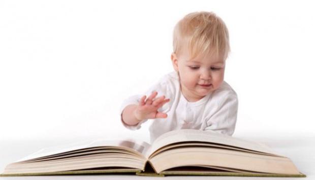 berikut ini cara terbaik mengajari anak membaca